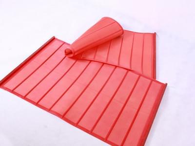 Polyurethane shaker screen